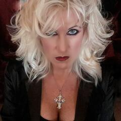 TWISTED SOUTHERN HORROR QUEEN with Lyn
