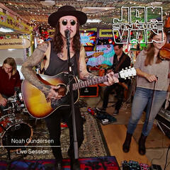 Jam in the Van - Noah Gundersen (Live Session)