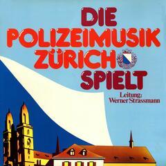 Die Polizeimusik Zürich spielt